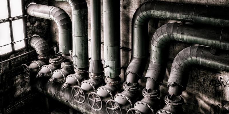 Zum Ausschlusstatbestand des § 2 Abs. 3 Nr. 1 HPflG bei einem Bruch der Wasserversorgungsleitung in der Außenwand